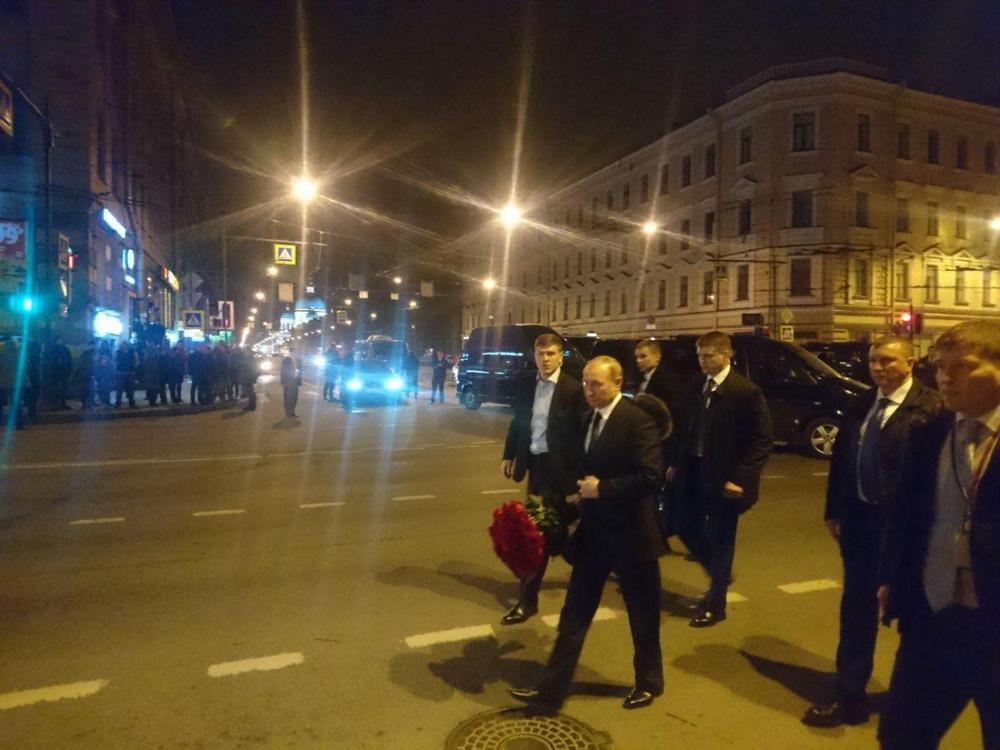 Президент РФ почтил память ж…