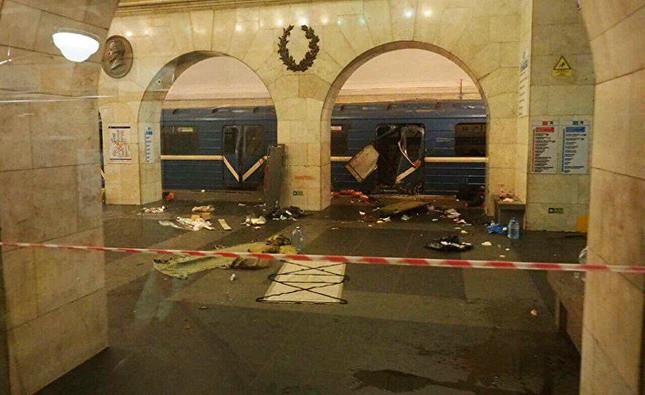 Фонтанка: бомбу в метро Пете…