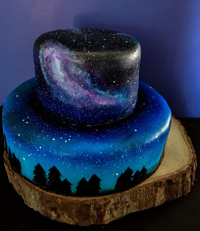 """I Was Asked To Make A Galaxy Themed Cake And Cupcakes For A Wedding"""