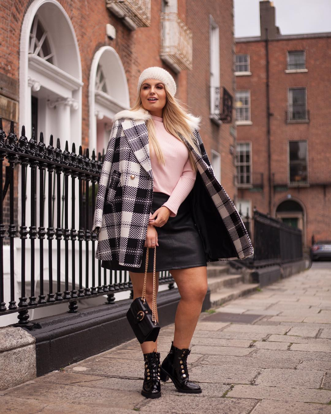 Модные тенденции осени 2019 для полных женщин фото 14