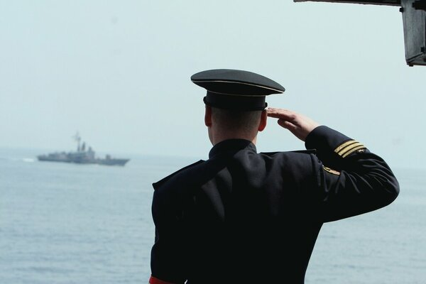 Как офицер на флоте кавказцев угомонил