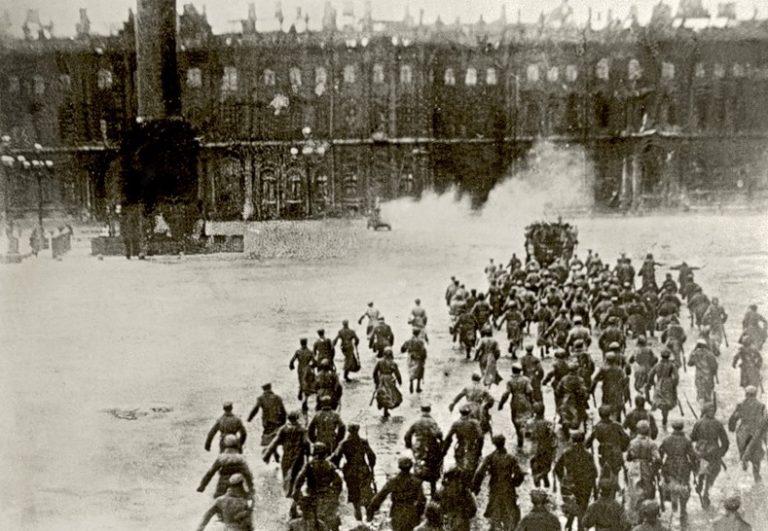 Штурм Зимнего дворца в 1917 году: как это было.