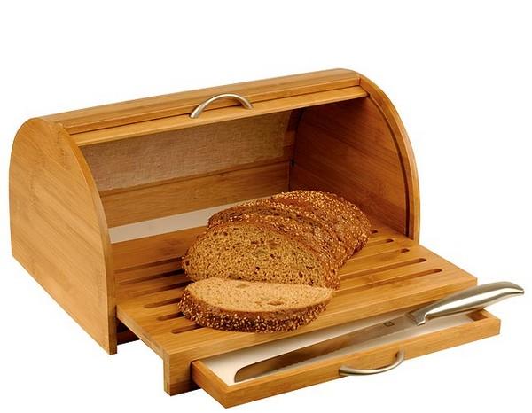 Деревянная хлебница с разделочной доской