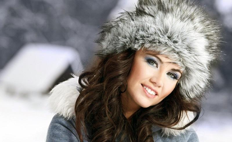 красивая зимняя женская одежда