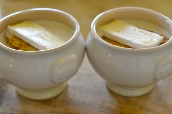 3 супа, которые помогут победить холода и простуду: острый овощной, куриный и крем-суп с сыром бри