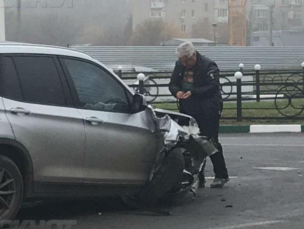 Пьяный судья устроил ДТП и при свидетелях сменил номера на своем автомобиле в Азове