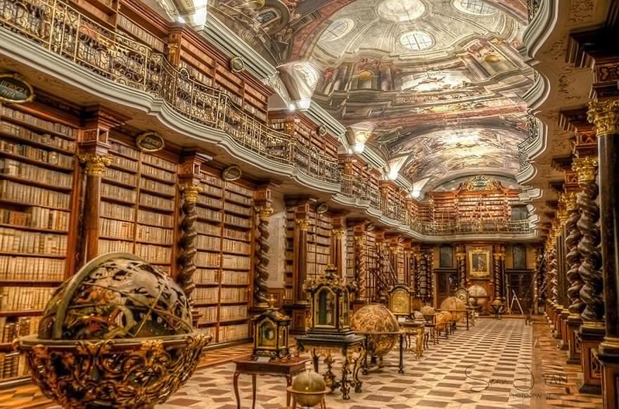 Самая красивая в мире библиотека