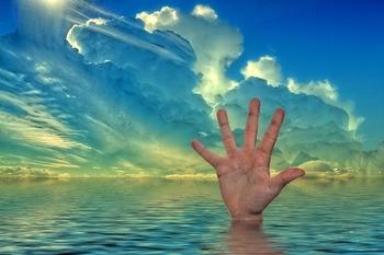 Накупались на Крещение до смерти, перекрыв водопровод