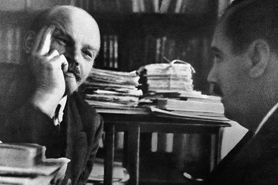 Ленин, Сталин и создатель машины времени