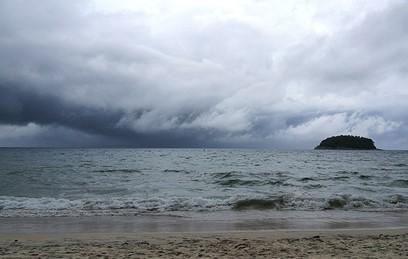 Мощный тайфун надвигается на юг Таиланда
