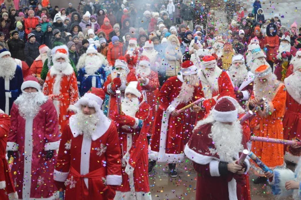 Госдума предлагает отменить новогодние каникулы