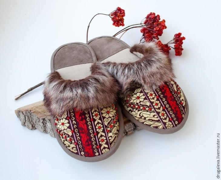 Уютные домашние тапочки в русском стиле