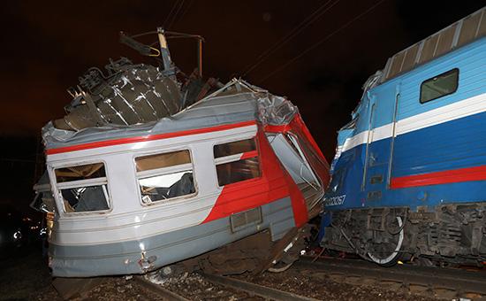 В Москве столкнулись пассажирский поезд и электричка. 50 человек пострадали. Фото