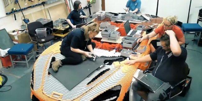 Суперкар McLaren из 280 000 кубиков Lego
