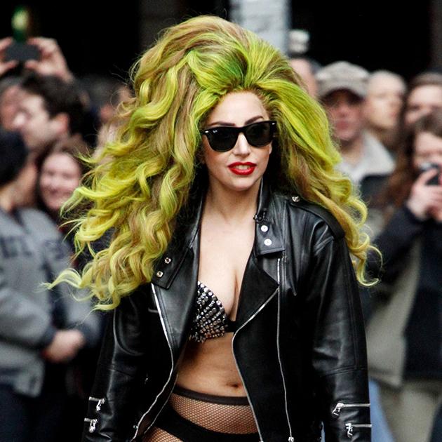 Гага нарождественском концерте Jingle Bell Ball радио Capital FM, 8 декабря 2013 года, Лондон