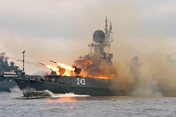 Восстановить баланс сил: Россия возвращает боевые корабли в Сирию, чтобы дать ответ США