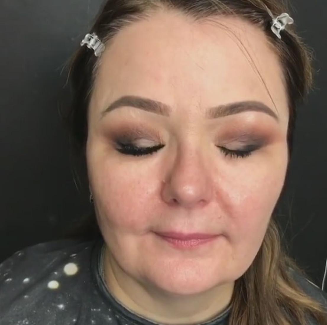 100 лучших идей: Красивый вечерний макияж на фото 17