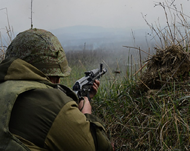 Боевики напали на полк Росгвардии в Чечне: озвучены потери