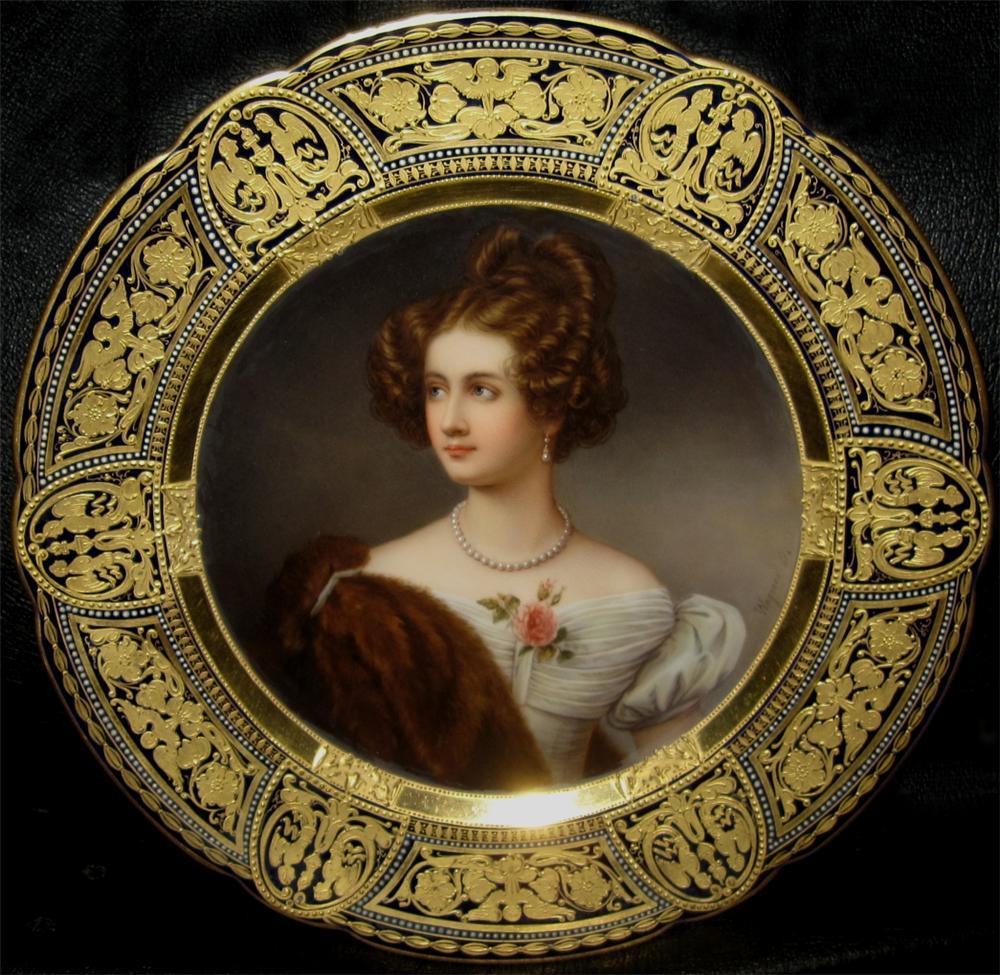 Женский портрет на венском королевском фарфоре, художник Joseph Karl Stieler