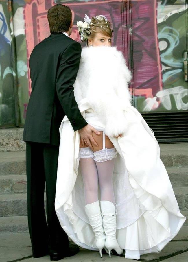 Невесты возбуждают интимными местами и сосут у женихов  55710