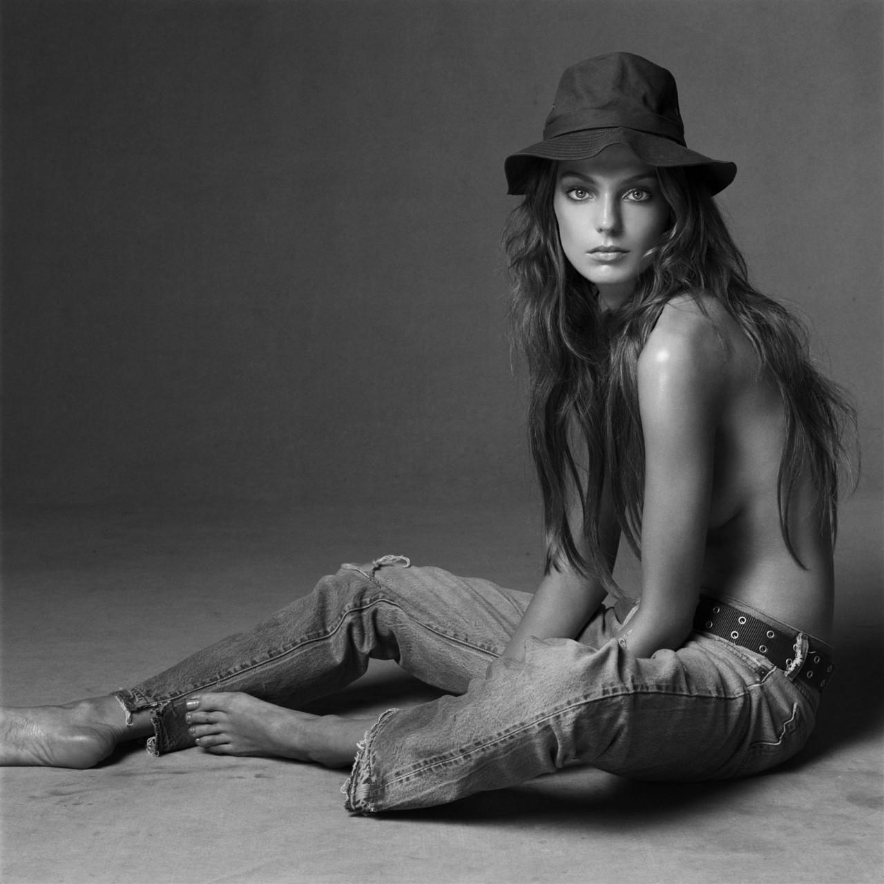 Дарья Вербова  в фотосессии Стивена Майзела для журнала Vogue май 2004