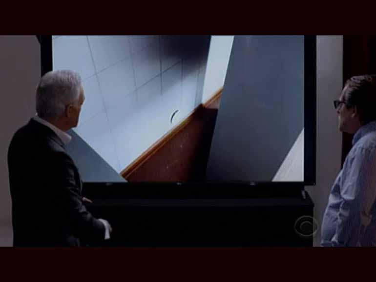 Родченков показал «ту самую дырку» в стене сочинской лаборатории