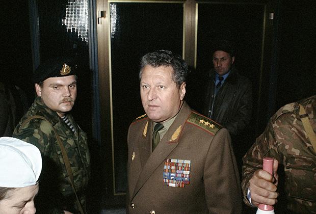 Владислав Ачалов в Доме Советов РФ