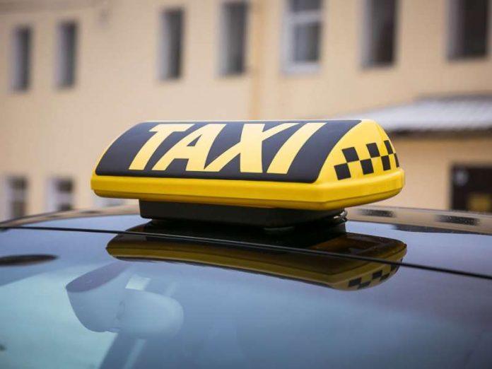Таксист очень выручил мужчину своим поступком!