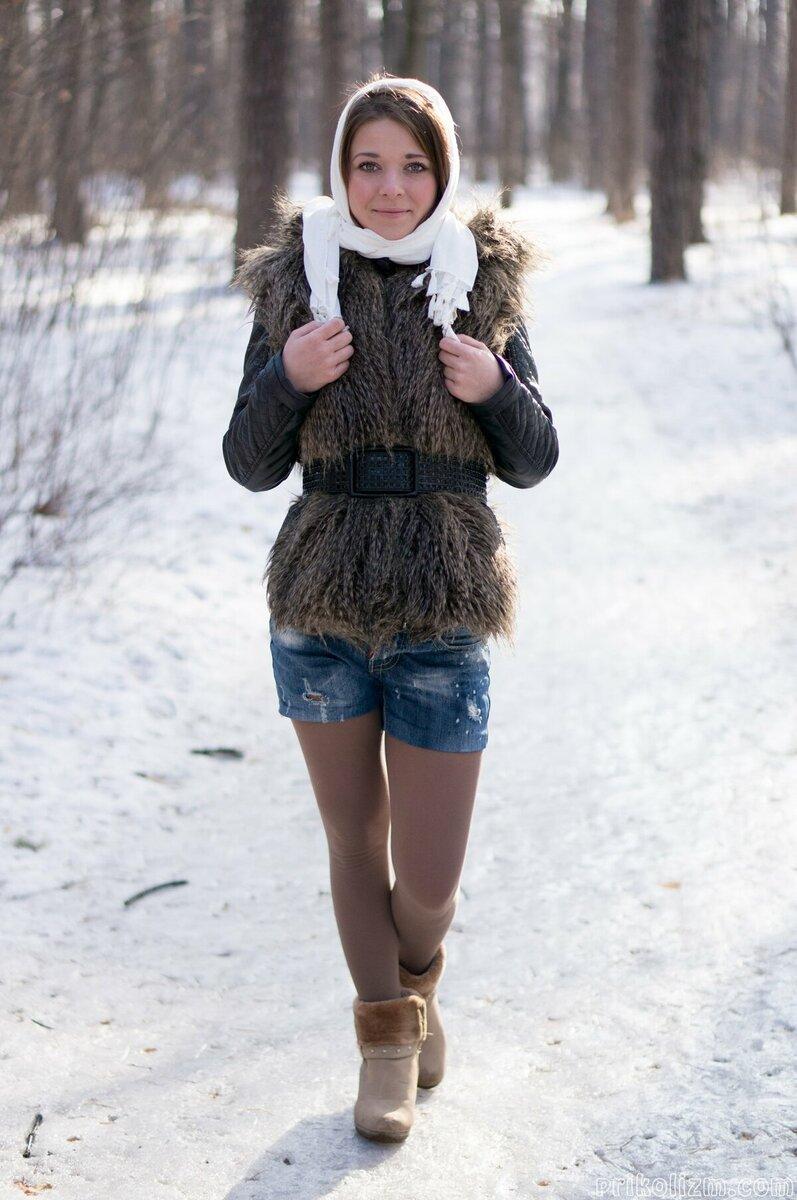 Девушка в коротких шортах. /Фото: krot.info