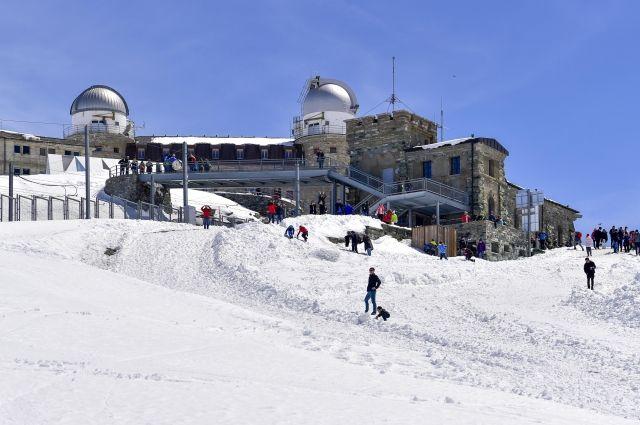 Ростуризм уточняет число россиян, оказавшихся в снежной ловушке в Альпах