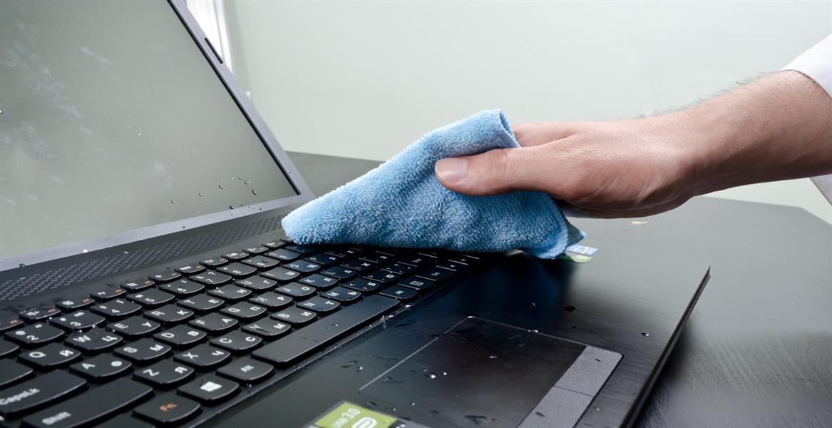 Что делать если залил ноутбук сладкой водой