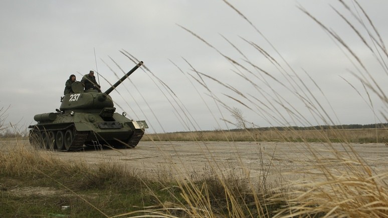 Forbes: побив нацистов, танк…