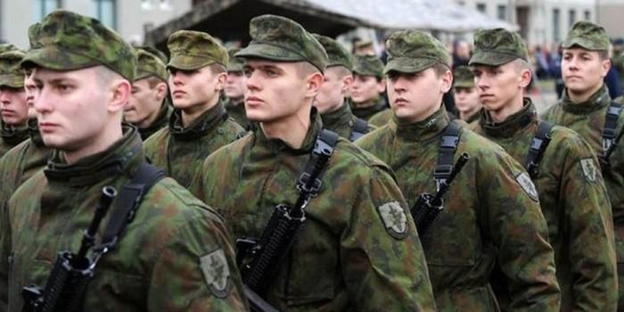 Литовские военные на учениях против агрессии РФ обстреляли немцев из минометов