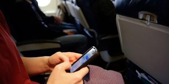 Спецслужбы США и Британии заподозрили в перехвате мобильных данных авиапассажиров