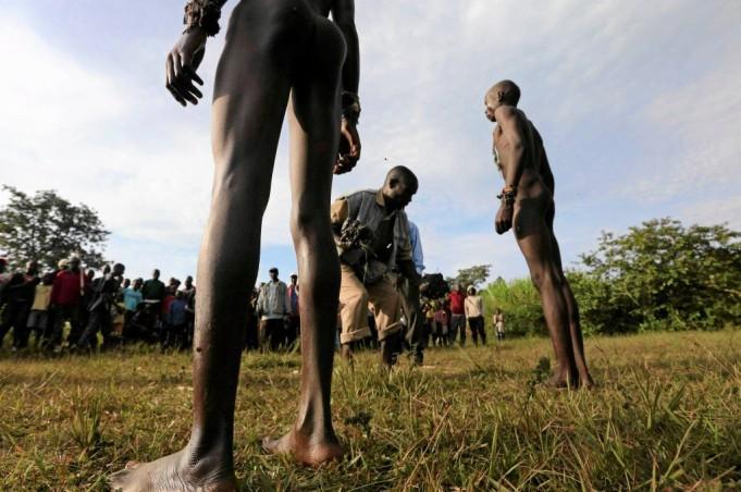 Ритуал обрезания: так становятся мужчинами в Кении