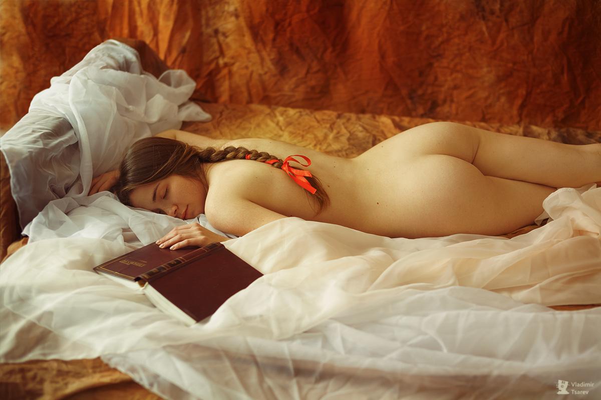 Девушки в красивой эротике 2