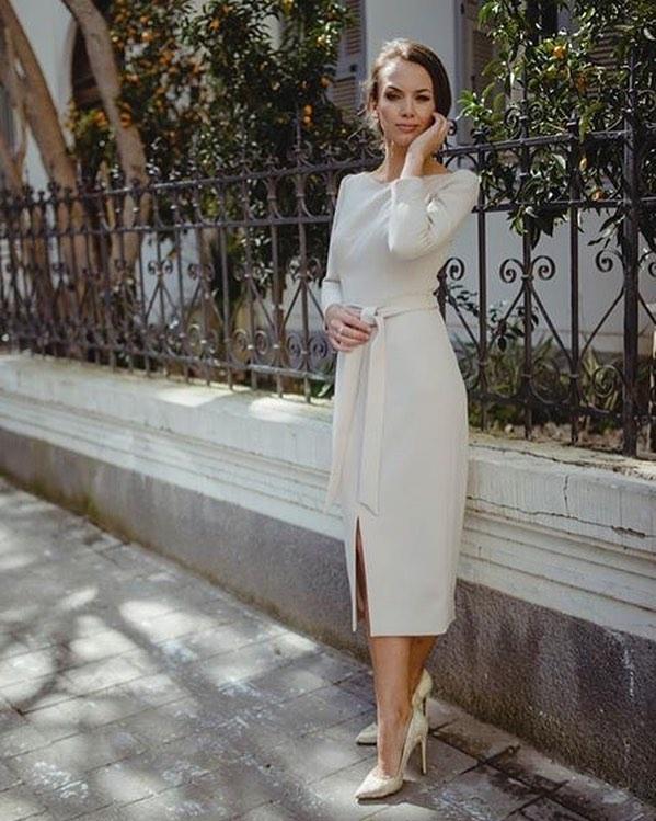 Строгие платья: как правильно выбрать фасон и выглядеть элегантно