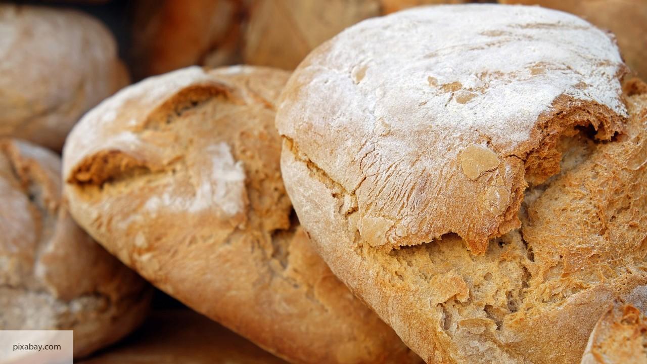 Российские военные отправили в Алеппо две тонны хлеба