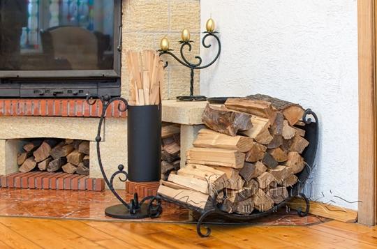 Какими дровами лучше топить камин?