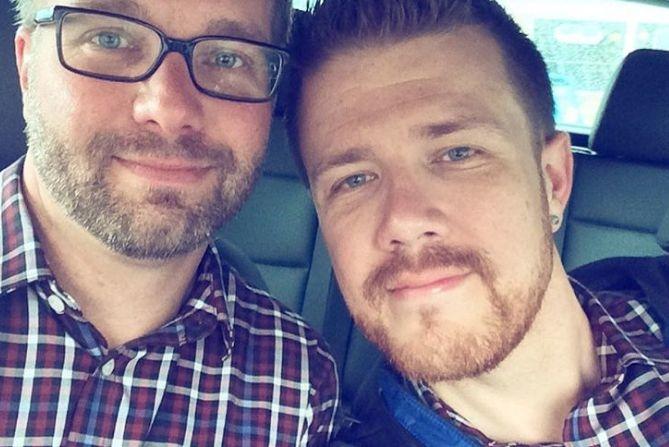 Instagram захватил новый тренд: пары фотографируются после развода и это очень смешно