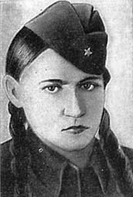 Римма Шершнева в 17 лет закрыла  собой фашистский дзот — единственная женщина, повторившая подвиг Александра Матросова