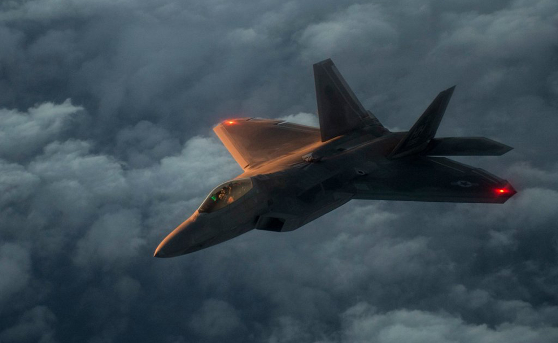 Кто кого: Су-35 против F-22