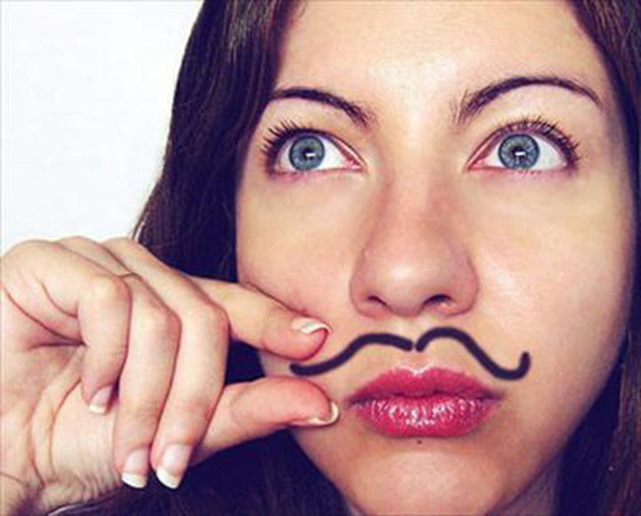 Если побрить усы девушке в домашних условиях