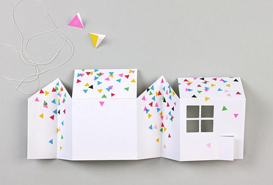 Как сделать дом из открыток