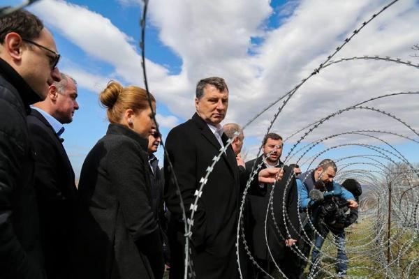 Президенту Латвии устроили экскурсию награницу сЮжной Осетией