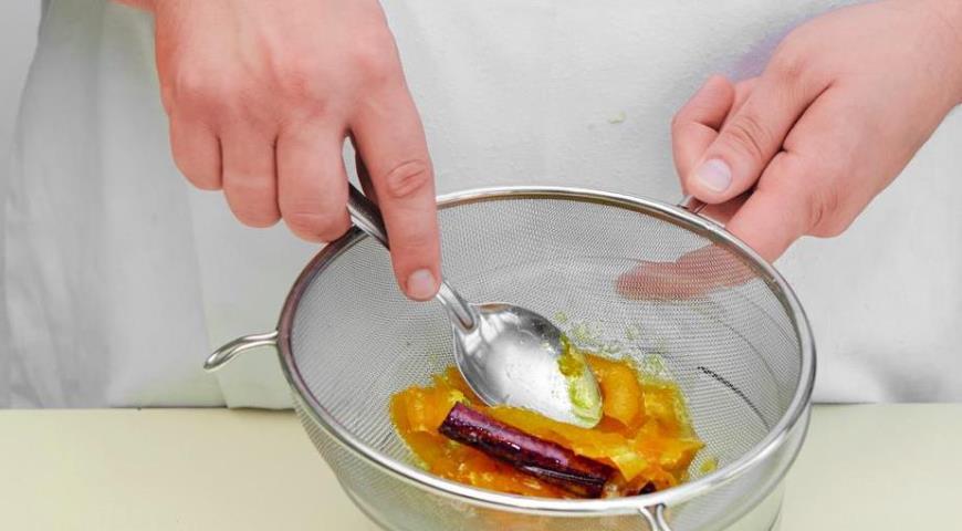 Кнедлики со сливами ишоколадом. Шаг 2