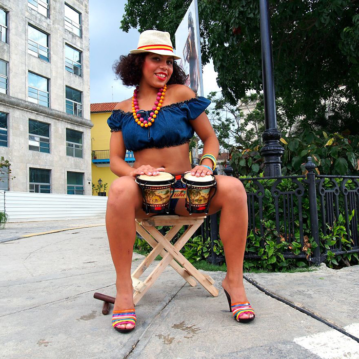 Кармен из Гаваны, Куба. Кинсеанера. Instagram aroundtheworld_in80styles.