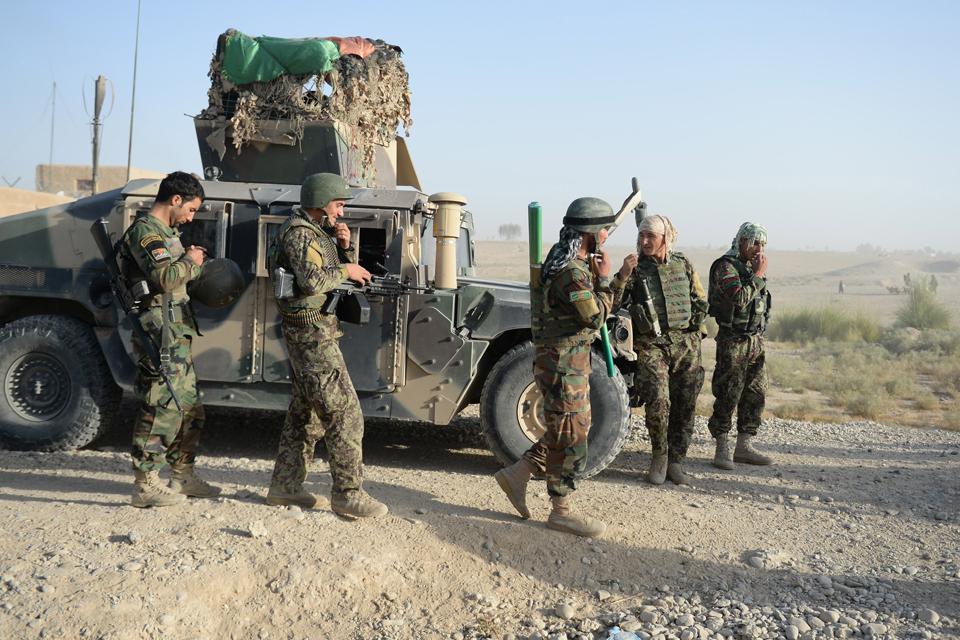 Потери афганских сил безопасности в войне против талибов растут
