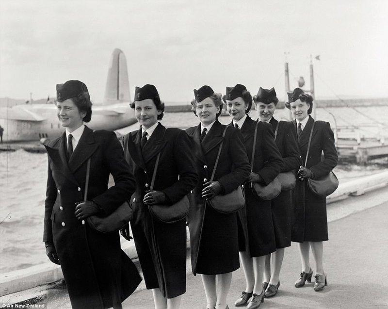 Как менялась униформа стюардесс - на примере одной авиакомпании авиакомпания, изменения, мода, ретро, старые фотографии, униформа, униформа стюардесс