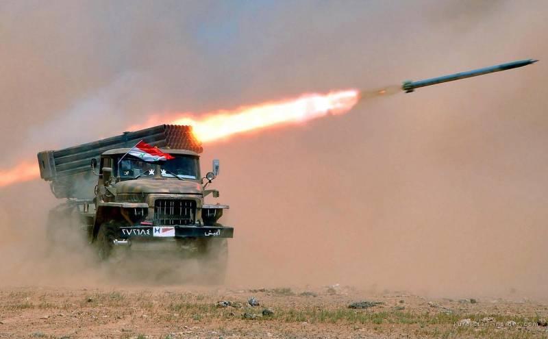 Вертолёты ВКС России и РСЗО смешали боевиков ИГИЛ с песком